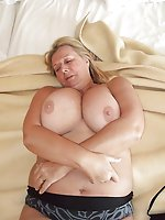 Mature mistresses giving pussy