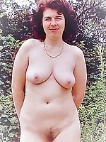 Filthy mature milf baring it all on cam