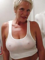 Gorgeous mature mom having shaved vagina