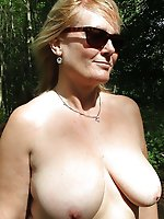 French mature tart posing fully undressed