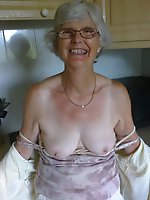 Delightful older chicks baring it all on pics